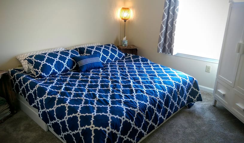Cozy Room by Salisbury Beach, Newburyport, & NH - Salisbury - Apartment