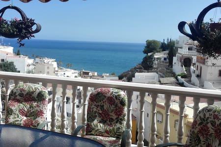 Ideal para relajarse junto al mar y la montaña - La Rábita - Rumah bandar