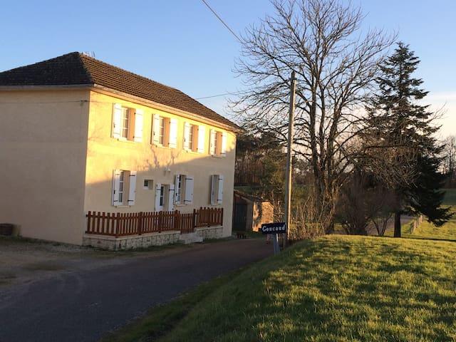 Maison de campagne en Périgord - Biron - Casa