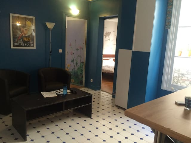 Spacious room in Rue La Fayette - Paris - Daire
