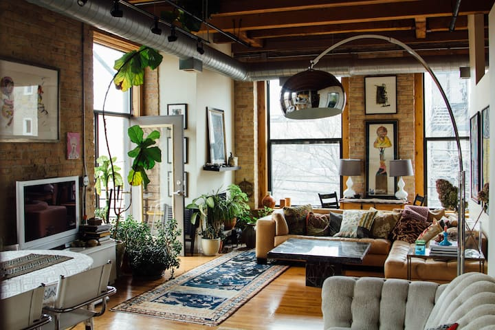 Beautiful, bright, art-filled loft.
