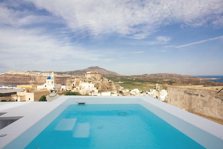 Cycladic Jacuzzi Suite | Caldera & Sea View | 2pax