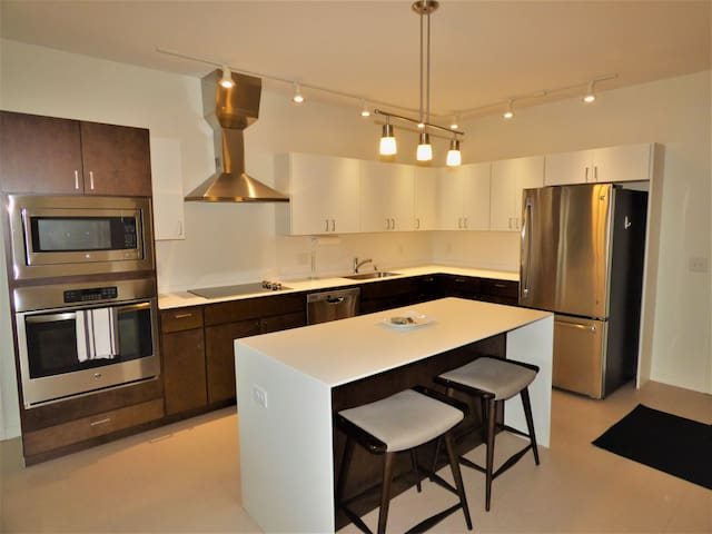 Lofts at Mayo Park! 2 Bdrm! Pet friendly! Monthly!