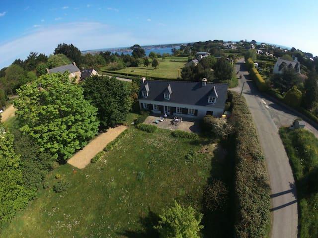 Location maison de famille face à l'île de Bréhat