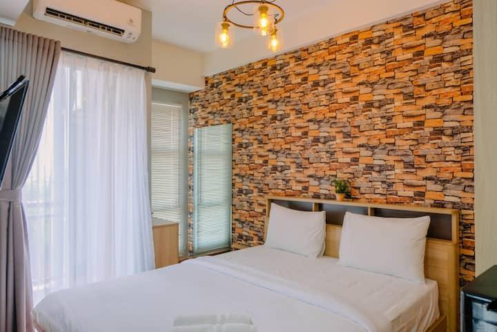 Comfortable Studio Akasa Pure Living Apartment
