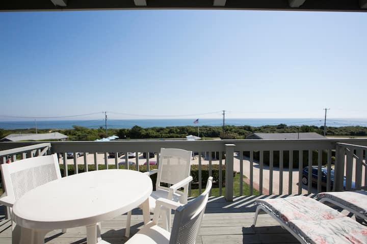 Direct Ocean View Studio Walking Distance to Downtown Montauk!
