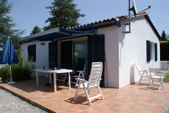 Charente - Village le Chat, 6 person family home - Écuras - Bungalow