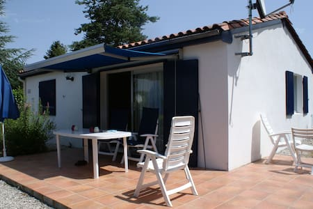 Charente - Village le Chat, 6 person family home - Écuras - Domek parterowy