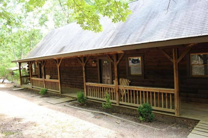 Large triplex cabin--great for groups!
