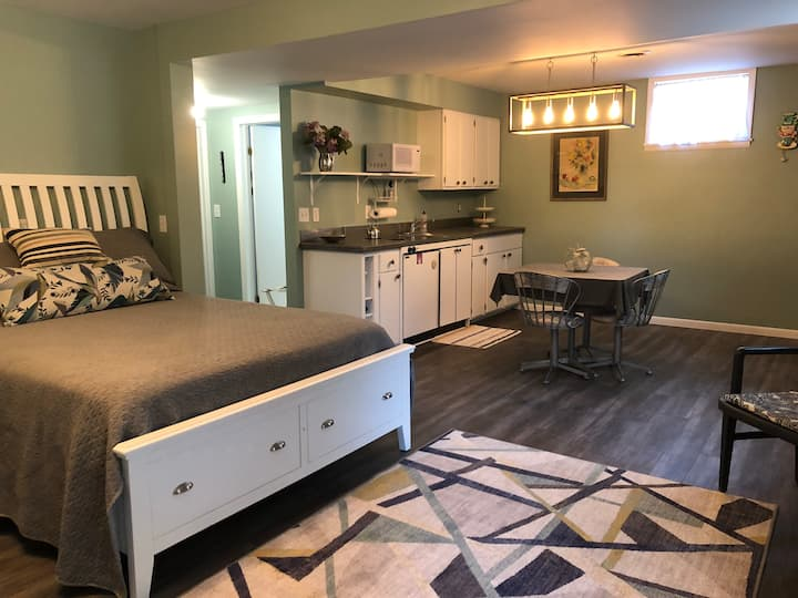 Newly Remodeled Guest Suite
