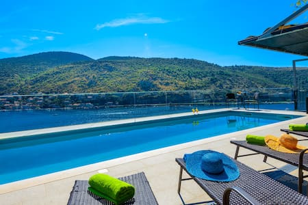 Apartment with pool near Dubrovnik - Mokošica