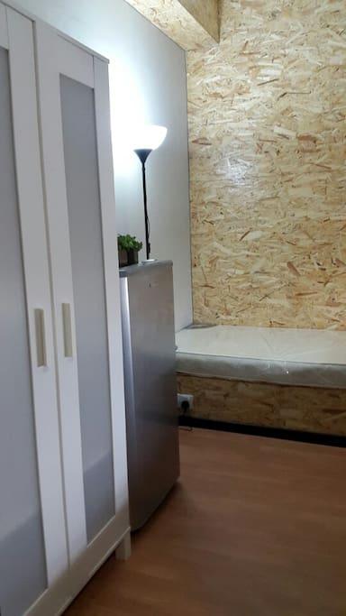 Single room (Refrigerator and wardrobe)