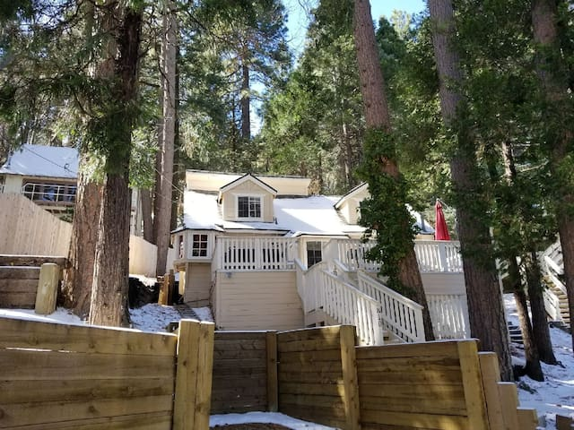 The Chalet in Lake Arrowhead-Twin Peaks