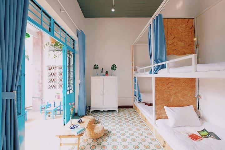 Mountain Room | Bright New Dorm WALK To The Beach