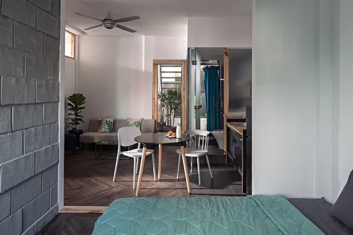 Aqua House 4 - Dreamy & Tranquil Studio
