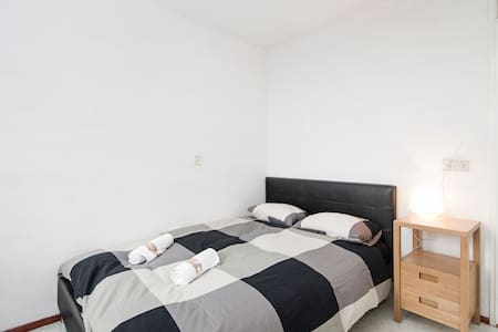 Bed Breakfast Bikes (Double Bed) - Diemen