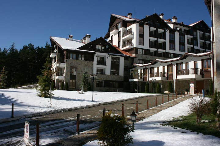 A comfortable one bedroom apartment with Wi-fi. - Borovets