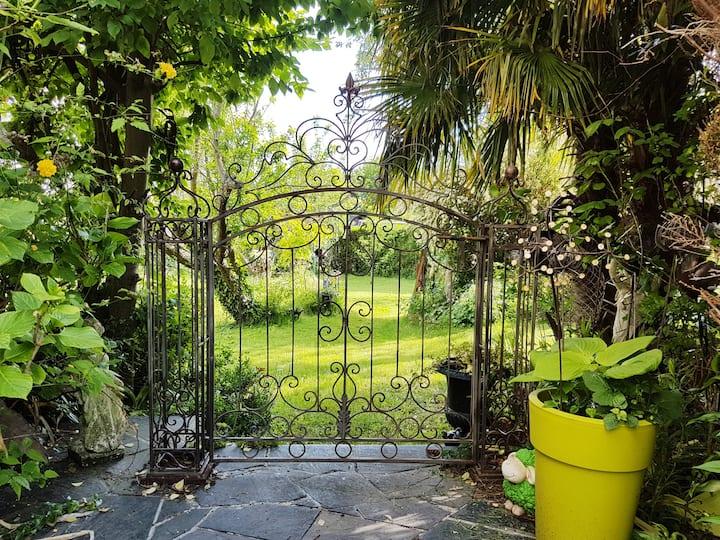 Maison et jardin au calme à Caen en Normandie  !
