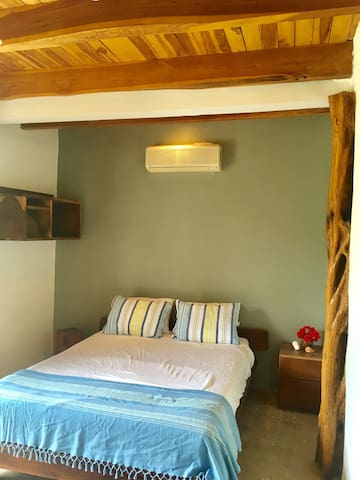 Casa Kaiki - Arbor Room - Playa Avellanas - Bed & Breakfast