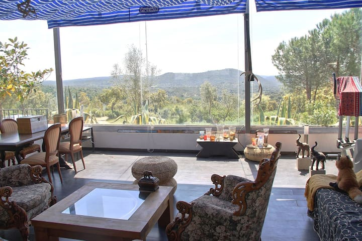 House with wonderful mountain view - Santa Elena