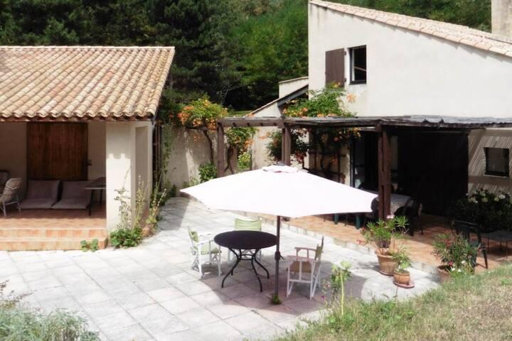 Maison familiale en Drôme provencale - Dieulefit - House