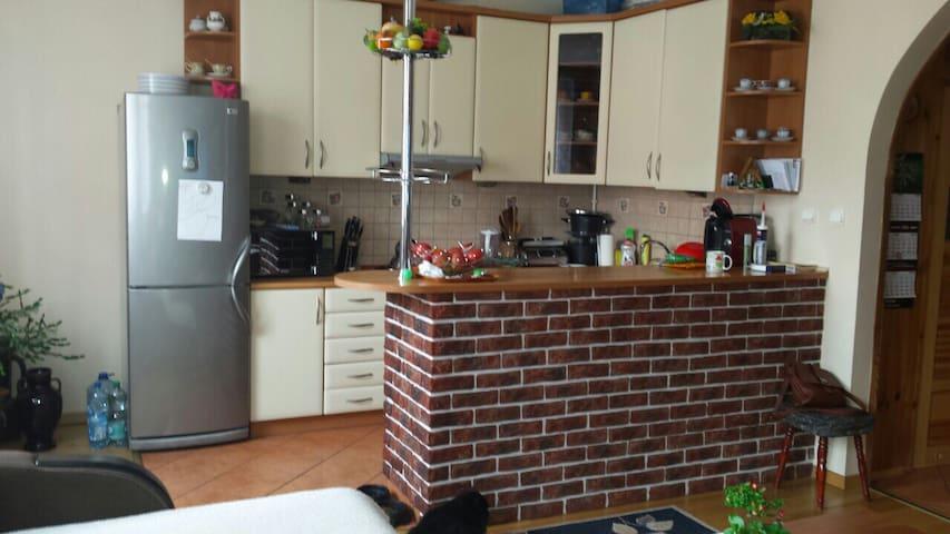 Apartament, 3 pokoje z kuchnia 64m2