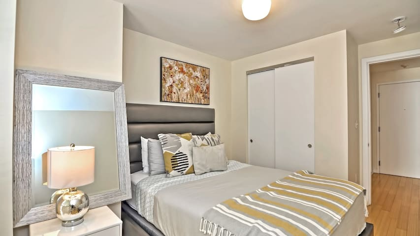 Professionally-cleaned 1BD in downtown Boston, fast wifi