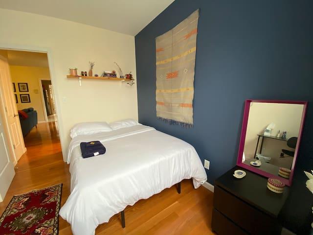 Beautiful Room in Bushwick & 20 mins to Manhattan