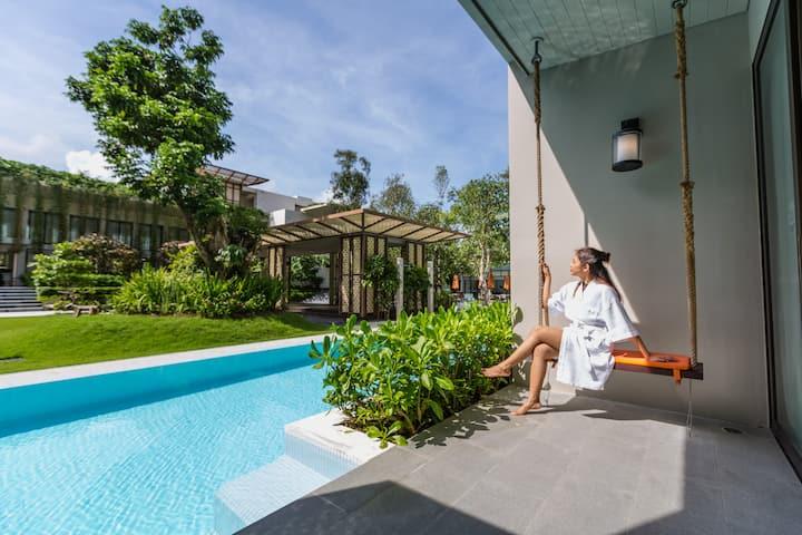 Fantastic Honeymoon Room with Pool Access close to Phuket International Airport