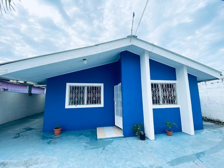 Complete and private house for family or groups