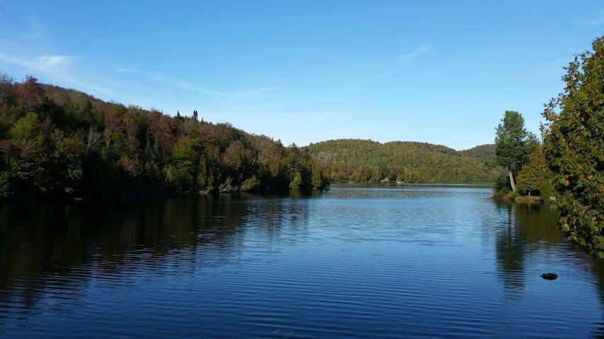 Beautiful Lakeside Condo in the Laurentians
