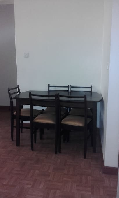Cozy dining table. #DiningArea