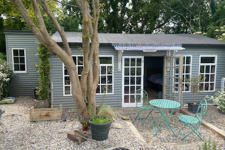 The French Shed