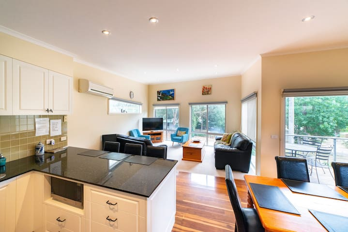 Apsley Retreat 3 Bedrooms