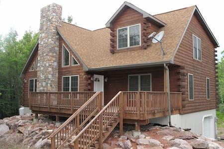 JFBB Modern wood log home new - Blakeslee