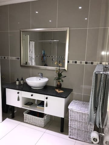 uvongo 2017 top 20 uvongo vacation rentals vacation homes condo rentals airbnb uvongo kwazulu natal south africa