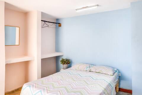 Habitación Azul con opción de desayuno y cena.