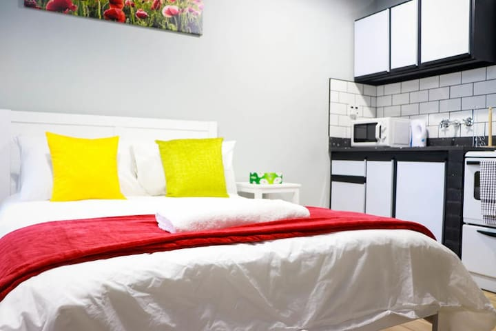 Bed and Kitchenette