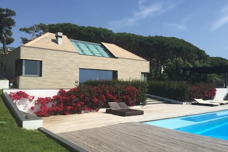 Gorgeous Villa with swimming pool and sea view. - Arenzano - Hus