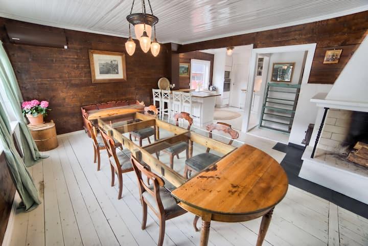 Stort hus i idylliske Marifjøra