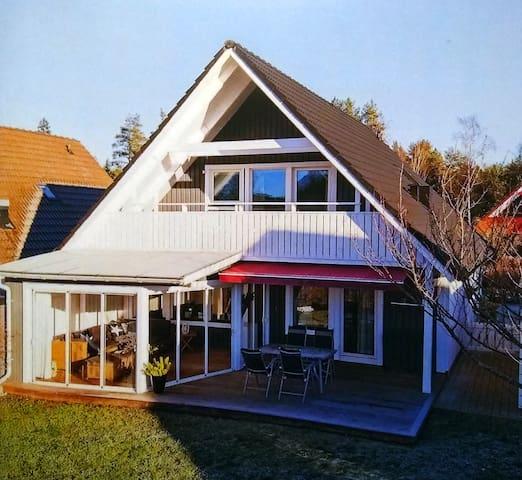 Rymlig villa i lugnt villakvarter
