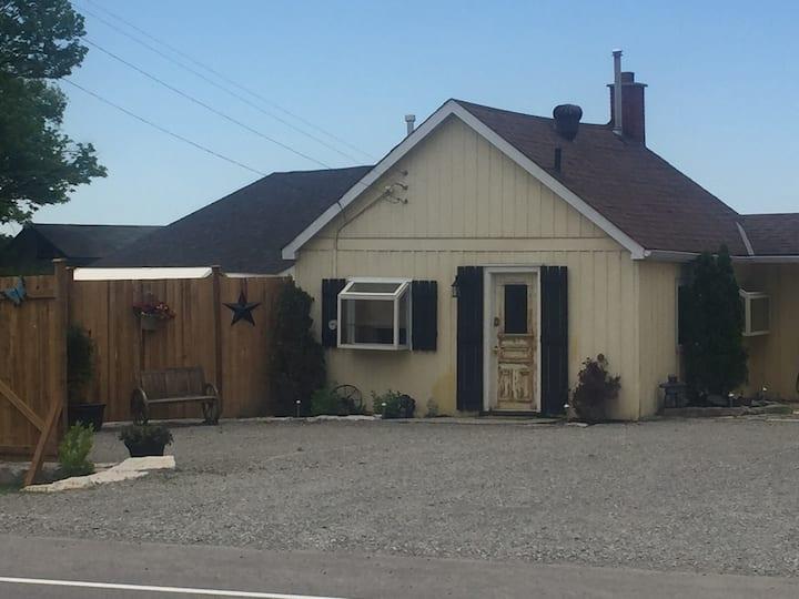 Cozy Cottage #2- Orr Lake, Ontario