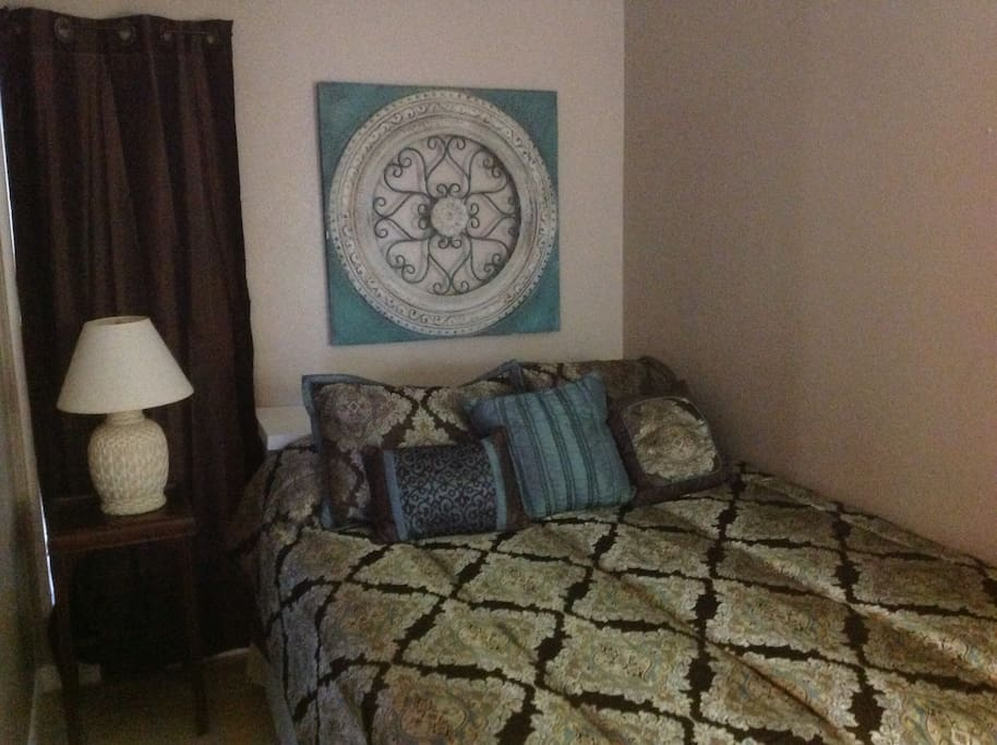 1 Bedroom with Queen Size Bed