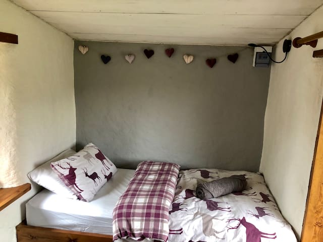 Luxury Glamping! Poppy Pod - East Yorkshire
