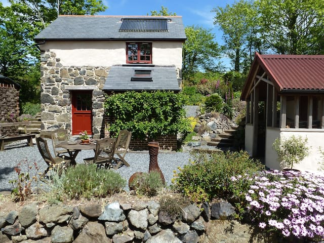 Unique detached barn nr coastpath & Cadgwith Cove - Ruan Minor - Hus