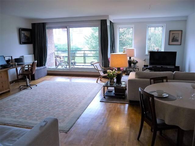 Spacious luminous 180 m2  - 3 bedrooms appartment - Woluwe-Saint-Pierre - Apartmen