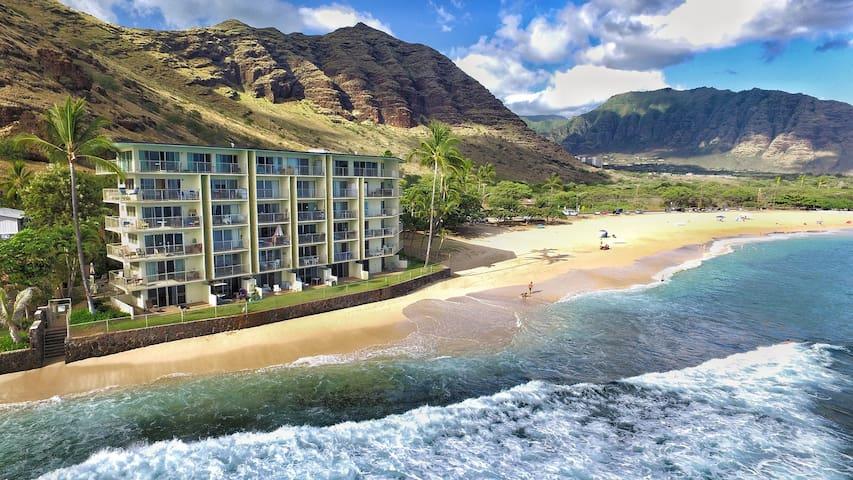 Peaceful Oceanfront Getaway- THE Makaha Beach!!!