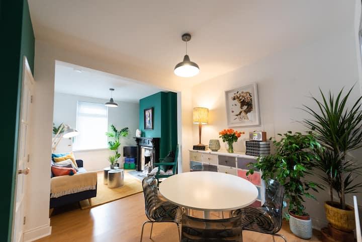 Newly refurbished classic Belfast Terrace ORMEAU