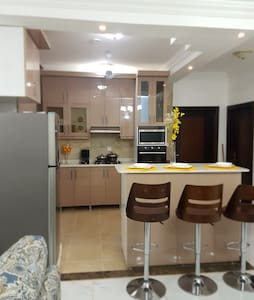 Modern centrally located apartment, secure 24/7