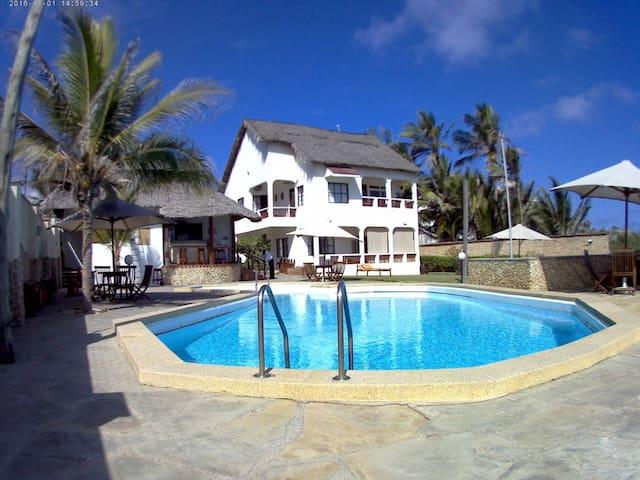 Kivulini Bahari (Shella)- Your Beach Haven